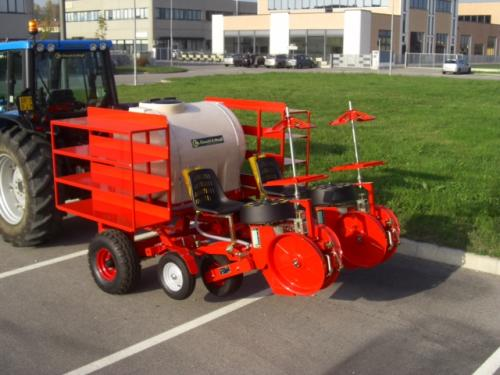 Trium 2 row pull-type with water tank and racks