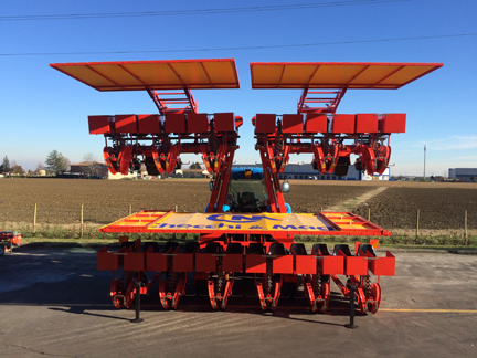 Foxdrive 12-row with hydraulic fold